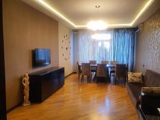 3-otaqlı mənzil icarəyə verilir, A. Abbaszadə küç. 19, 130 m² Bakı
