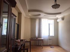 3-otaqlı mənzil icarəyə verilir, Xalqlar Dostluğu m\st. , 200 m² Bakı