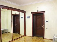 3-otaqlı mənzil icarəyə verilir, İzzət Həmidov küç., 156 m² Bakı